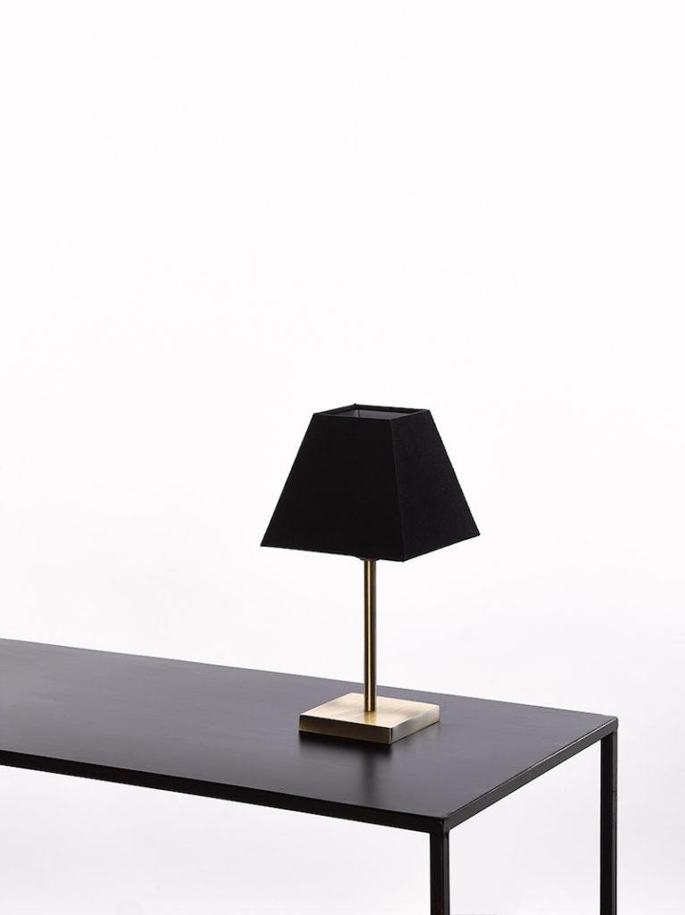 0255-20-OTT - Lichtpunt - Landelijke meubels en verlichting - Sarah Mo