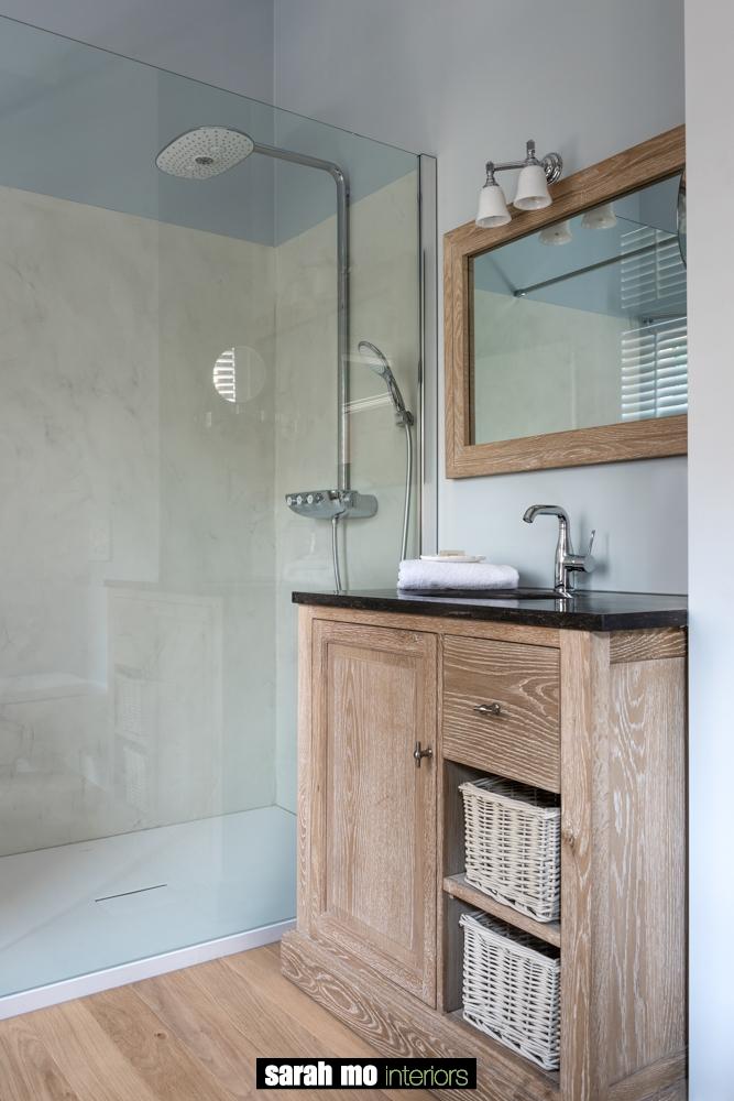 Badkamer - Landelijke meubels en verlichting - Sarah Mo