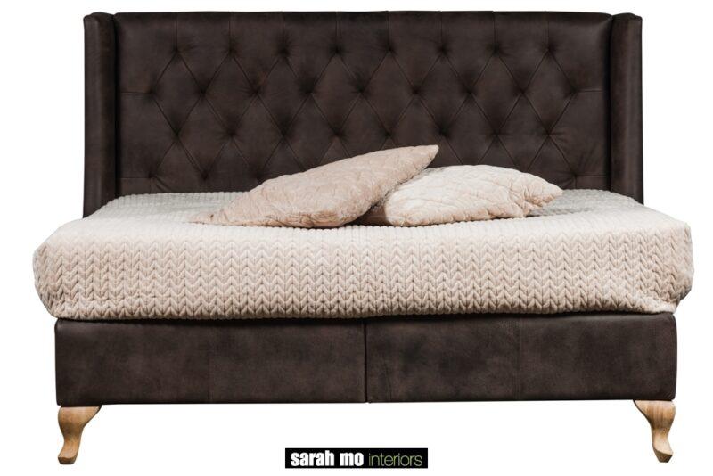 Charmebed met hoofdeinde in capiton - Nachtkastje - Landelijke meubels en verlichting - Sarah Mo