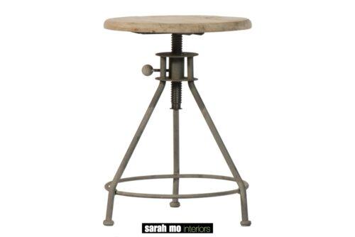 Instelbaar krukje in pine met onderstel in ijzer - Barkruk - Landelijke meubels en verlichting - Sarah Mo