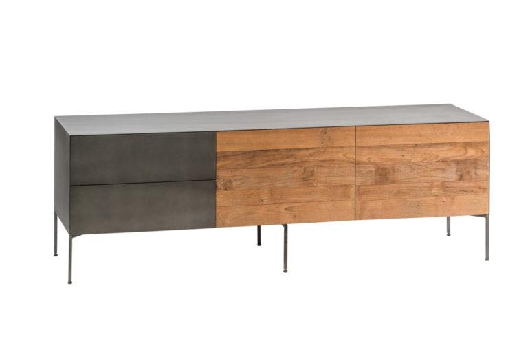 Metalen reclaimed wood tv-dressoir klein, 1 valdeur, 1 deur en 2 lades - Dressoir - Landelijke meubels en verlichting - Sarah Mo