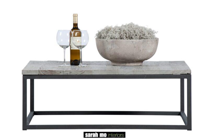 Salontafel in old elm met stalen onderstel - Salontafel - Landelijke meubels en verlichting - Sarah Mo